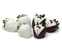 Bride and Groom Chocolate Strawberries 12ct